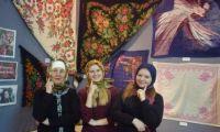 В музее истории открылась выставка «Платками красна девица». Приглашаем всех!