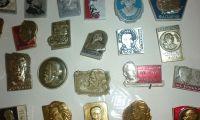 Жительница Сылвы передала в музей коллекцию значков времен СССР. Приходите на выставку!